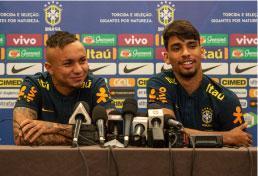 Everton e Paquetá dizem se encaixar onde Tite preferir