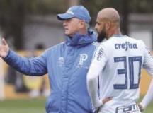 Felipe Melo chega a 20 cartões na temporada