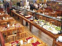 Espaço possui 80 m², capacidade para 50 pessoas e serve almoço e jantar. Foto: Divulgação