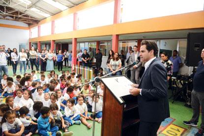 Pery Cartola assina ordem de serviço que dá início a força-tarefa para reforma de escolas