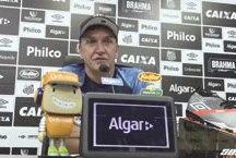 """Cuca: """"Infelizmente, faço um pitstop para dar uma revisada no motor e voltar depois"""". Foto: Reprodução/Santos FC"""