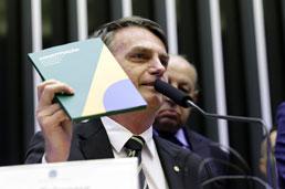 """Por Previdência, Guedes quer prensa no Congresso e Bolsonaro, """"a que a gente pode aprovar"""""""