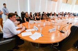 Ação foi acompanhada pelo prefeito Orlando Morando e representantes de 50 entidades cadastradas no FSS; entre os destaques estão o recorde de arrecadação da Campanha do Agasalho, com 152 mil itens. Foto: Omar Matsumoto/PMSBC
