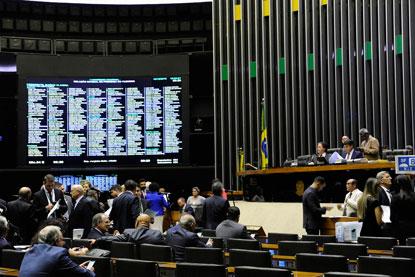 Congresso aprova Orçamento do próximo ano e mínimo de R$ 1.006