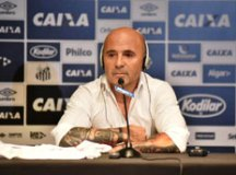 Sampaoli se apresenta ao Santos e quer substituto para Gabriel