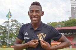 São Paulo anuncia a contratação do lateral-esquerdo Léo junto ao Fluminense