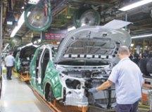 GM quer liberar terceirização, aumentar jornada e reduzir salários, diz sindicato