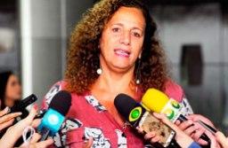 Para Jandira, proposta vai contra a vontade dos brasileiros. Foto: Luis Macedo/Câmara dos Deputados