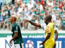 Diretoria do Palmeiras cogita punir Deyverson