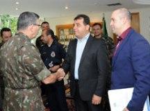 Exército Brasileiro estuda fornecimento de armas para Prefeitura de Diadema