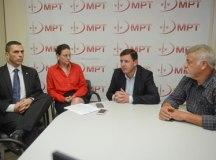 Morando e Wagnão, durante reunião no MPT. Foto: Ricardo Cassin/PMSBC