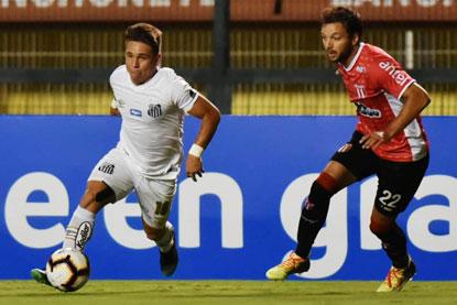 Santos só empata com River Plate-URU e cai na Sul-Americana