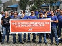 Trabalhadores comemoram permanência da empresa e manutenção de 300 empregos. Foto: Adonis Guerra/SMABC
