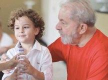 Filho de Sandro Luís, Arthur era um dos netos mais próximos do ex-presidente Lula. Foto: Reprodução/Facebook