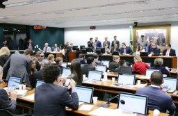 Batalha para a aprovação do texto na CCJ durou oito horas. Foto: Michel Jesus/Câmara dos Deputados