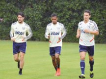 Recuperado de estiramento, Hernanes deve voltar ao São Paulo nas finais do Paulistão