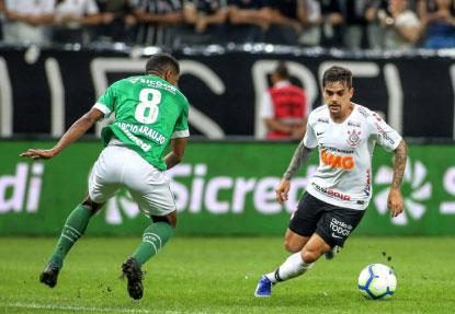 O Corinthians, do lateral-direito Fagner, não deu chance para a Chapecoense em Itaquera. Foto: Daniel Augusto Jr./Agencia Corinthians