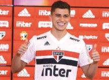 "Vitor Bueno: ""Encaro como uma grande oportunidade"". Foto: Rubens Chiri/SPFC"