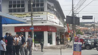 Gerente de banco é feito refém em tentativa de assalto em Diadema