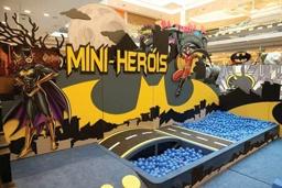 Parque temático do super-herói Batman é atração no Golden Shopping