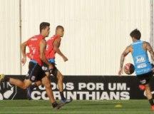 Imprensa só acompanhou a primeira parte do treinamento. Foto: Daniel Augusto Jr./Agência Corinthians
