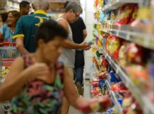 Grupo Alimentos foi um dos quatro que registraram deflação no mês passado. Foto: Tânia Rego/ABr