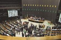 Câmara aprova texto-base de projeto do setor elétrico que pode tirar R$ 39 bilhões da saúde e educação