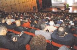 Jaime Basso fala a associados no Teatro Clara Nunes. Foto: Divulgação