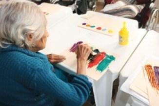 Pró-Memória e Sesc realizam atividade arte educativa em abrigo de idosos