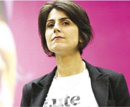 Hacker afirma que Manuela D'Ávila intermediou contato com Greenwald