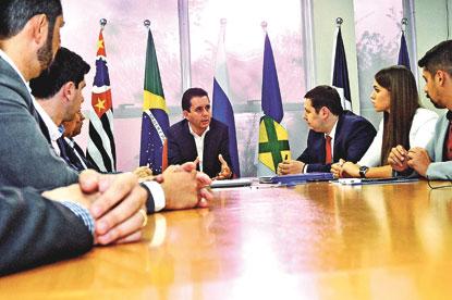 Paulo Serra participa de fórum do Brics em busca de recursos