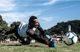 Diademense atua na equipe de aspirantes enquanto espera oportunidade no gol do Santos