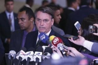 Vou prestar esclarecimentos ao STF sobre pai do presidente da OAB, diz Bolsonaro