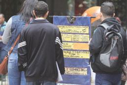 Desemprego cai para 12,57 milhões de pessoas, mas informalidade bate recorde