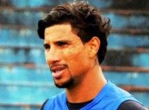 Alex Reinaldo vê Azulão de novo na briga por vaga