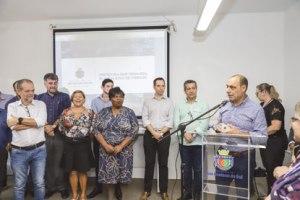 Auricchio assina ordem de serviço para reforma do Parque Chico Mendes