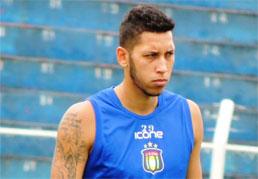 Autor do gol de empate contra o XV, Marlon vê Azulão fortalecido sob comando de Gallo