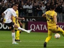 Com Pedrinho expulso, Corinthians é eliminado da Libertadores