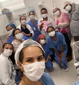 Bebê tem alta em São Caetano após duas transfusões de sangue intrauterinas e diagnósticos de covid-19 dos pais