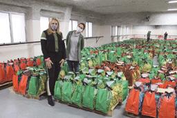 Carla Morando recebe doação de 2.500 cestas de alimentos