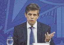 Nelson Teich pede demissão; general assume Ministério da Saúde