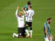 Corinthians volta a jogar mal, mas bate o lanterna Coritiba