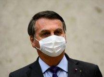 Após retirar cálculo da bexiga, Bolsonaro está estável