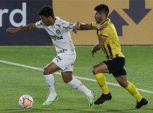 Palmeiras empata com Guaraní, mas encaminha vaga na Libertadores