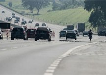 Movimento de retorno do feriado é intenso nas estradas paulistas. Foto: Arquivo/Agência Brasil
