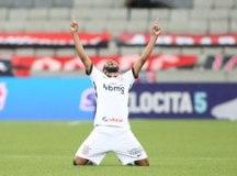 Na estreia de Mancini, Walter fecha o gol e Corinthians bate Athletico-PR