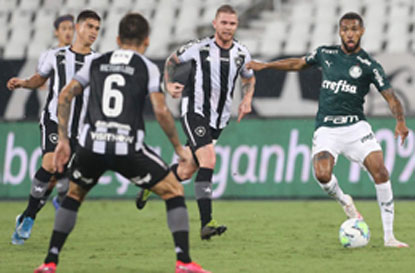 William perde pênalti, e Botafogo derruba série invicta de 20 jogos do Palmeiras