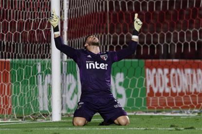 São Paulo cede empate, mas bate Fortaleza nos pênaltis e avança na Copa do Brasil