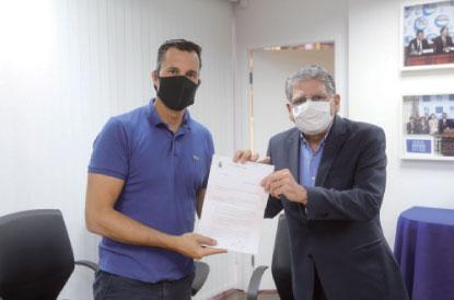 Acordo para cessão da área foi assinado na terça-feira. Foto: Thiago Benedetti/PMD