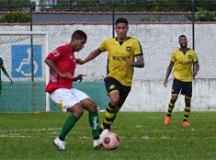 São Bernardo arranca empate com a Portuguesa Santista na Baixada